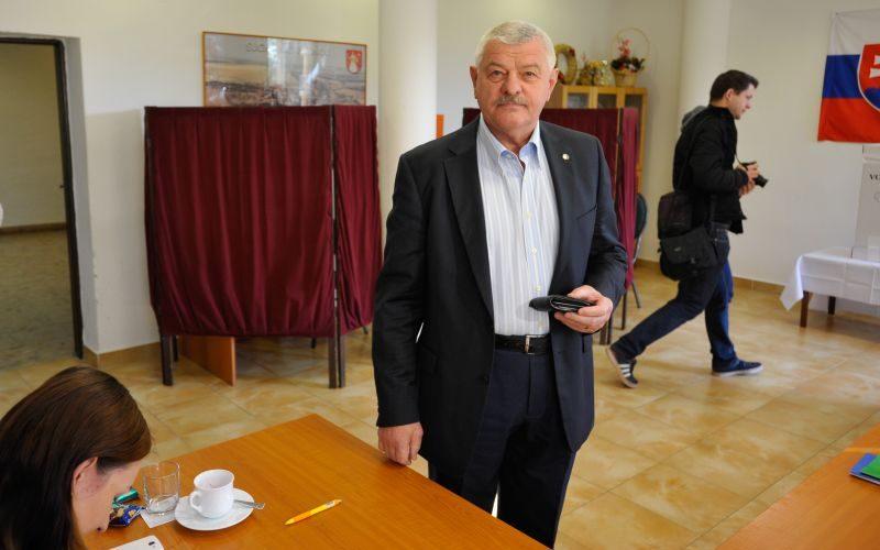 Mikuš odovzdá funkciu Viskupičovi začiatkom decembra