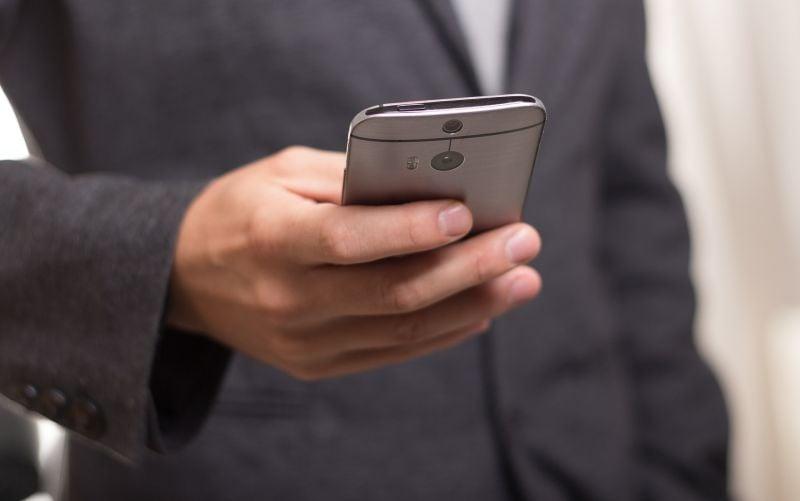 Pomoc v núdzi. Parlament schválil systém záchrany cez SMS