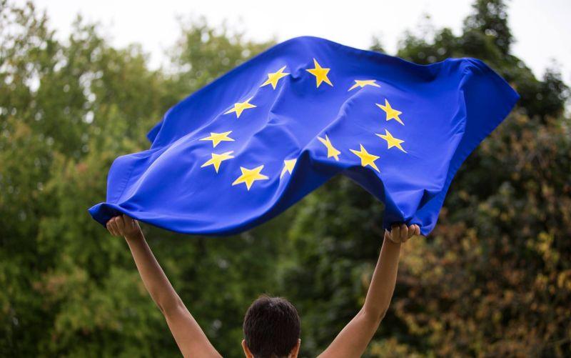 Lídri krajín EÚ rozhodli o predĺžení sankcií proti Rusku