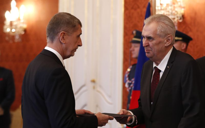Je to oficiálne, Zeman vymenoval Babiša za českého premiéra