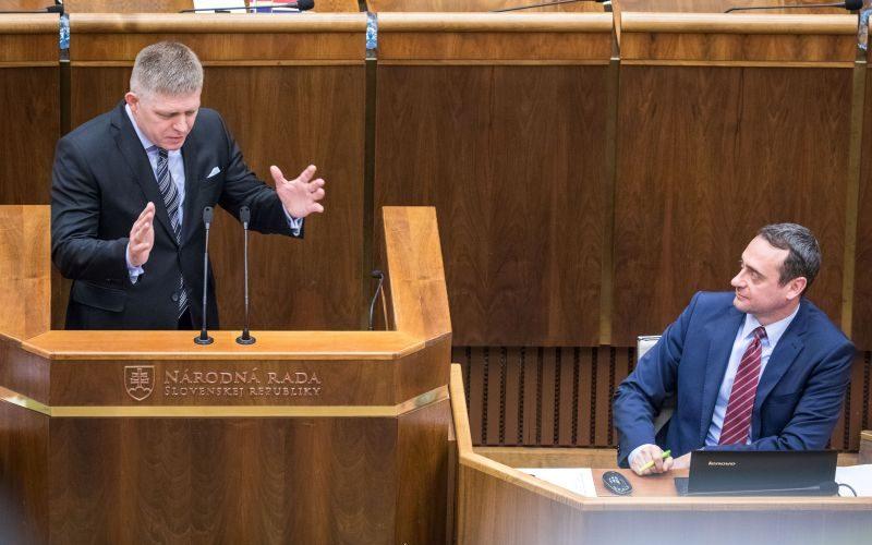 Fico obraňuje Kaliňáka: Jeden z naj ministrov za posledných 25 rokov