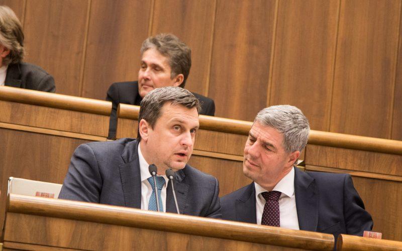 Danko chce pri nákupe transportérov zachrániť slovenské firmy