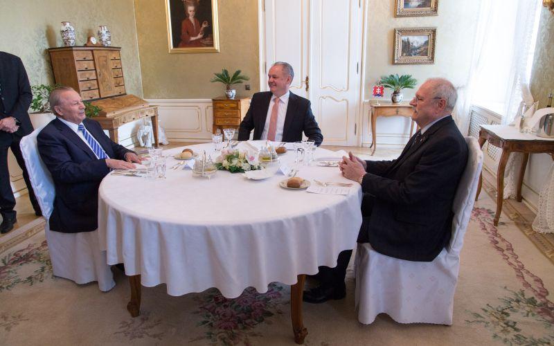 FOTO Obed prezidentov u Kisku sa nevyhol ani nepríjemnosti: Gašparovičov odkaz, varoval som ho