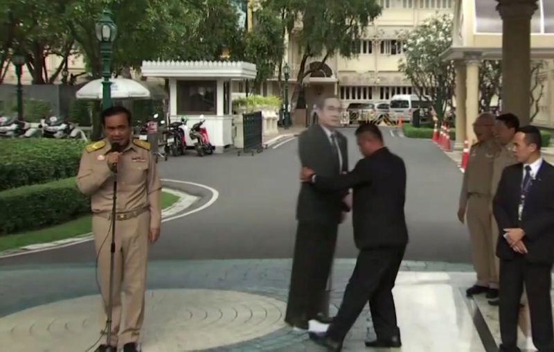 VIDEO Thajský premiér nechcel odpovedať na otázky: Takto vybabral s novinármi