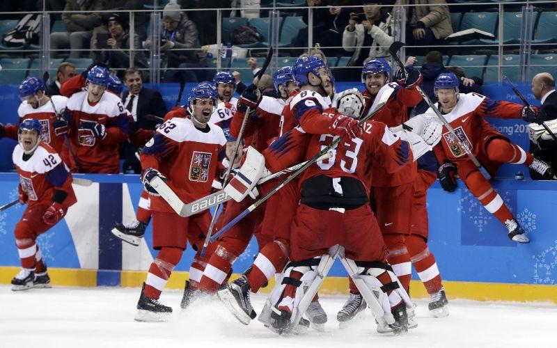 Českí hokejisti môžu získať medailu. Porazili USA a sú v semifinále