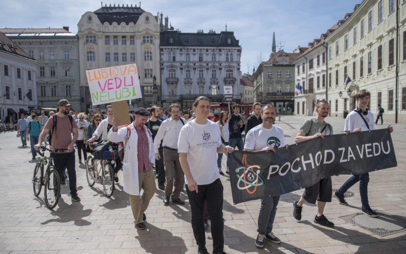 V Bratislave sa opäť pochodovalo: Tentokrát za vedu