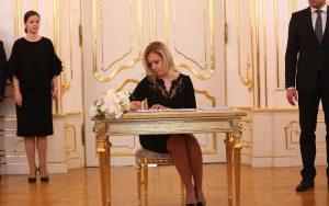 Pre vládne strany je Saková darom z nebies, tvrdí Matovič