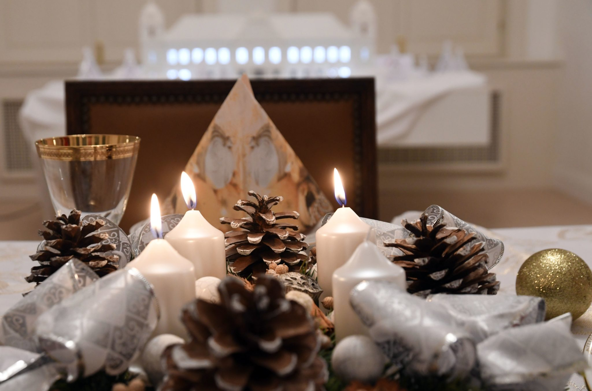 26ff95123a15 ... Ľudia si potrpia na rôzne moderné výzdoby. Zdroj  TASR   Roman Hanc Na  Vianoce ...