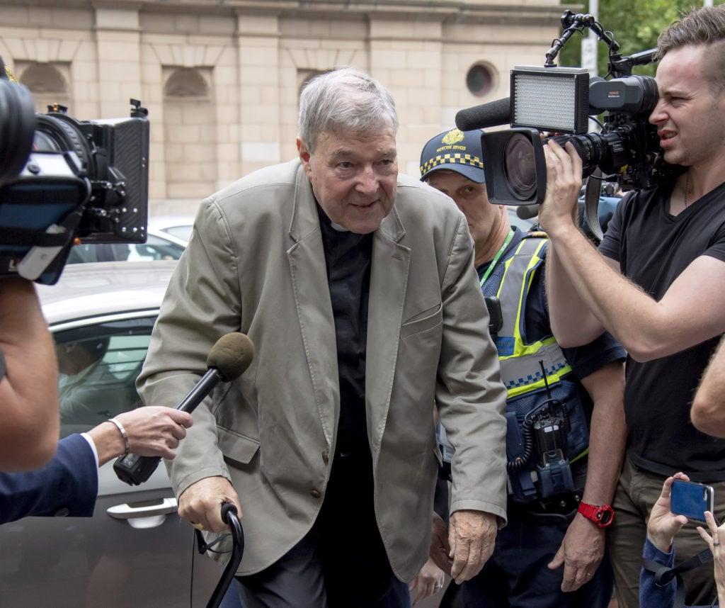 Austrálsky kardinál Pell bol odsúdený za pohlavné zneužitie dvoch detí | Glob.sk