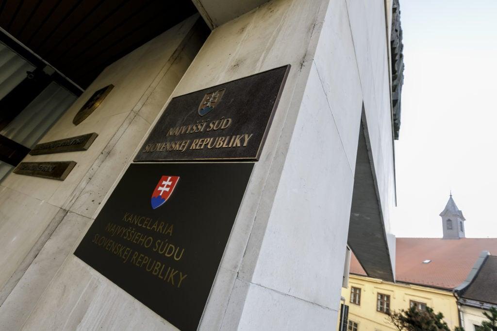 Špecializovaný trestný súd sa v utorok vráti ku kauze nástenkový tender | Glob.sk