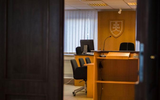 Súd uznal Zdenku K. z kauzy nástenkový tender za vinnú. Dostala štvorročnú podmienku | Glob.sk