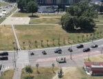 Policajná kolóna zastavila ulicu v bratislavskej Petržalke. Zdroj: FB