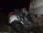 Pri tragickej zrážke s vlakom zahynul vodič auta