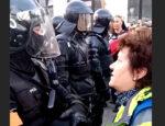 rozzúrená žena na videu