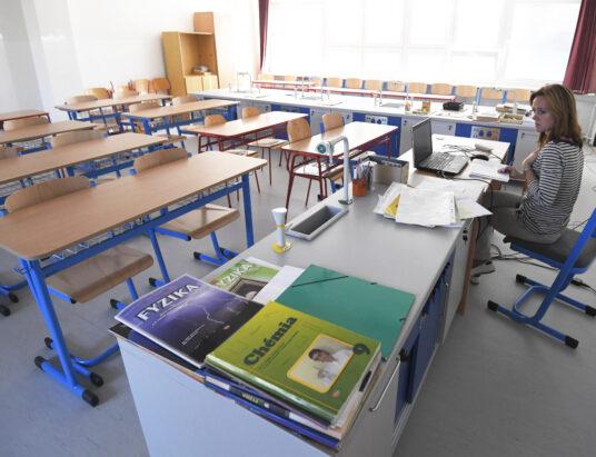 Základnú školu pre koronavírus zatvorili.
